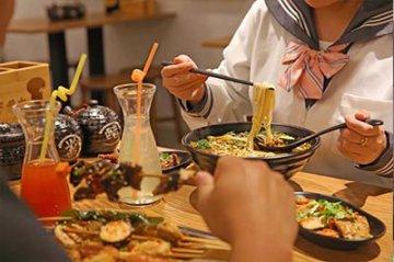 加盟米粉店后 如何有效吸引顾客并转化为老客