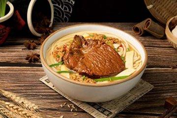 风味人间领略美食之美 那罗罐中米粉好吃吗